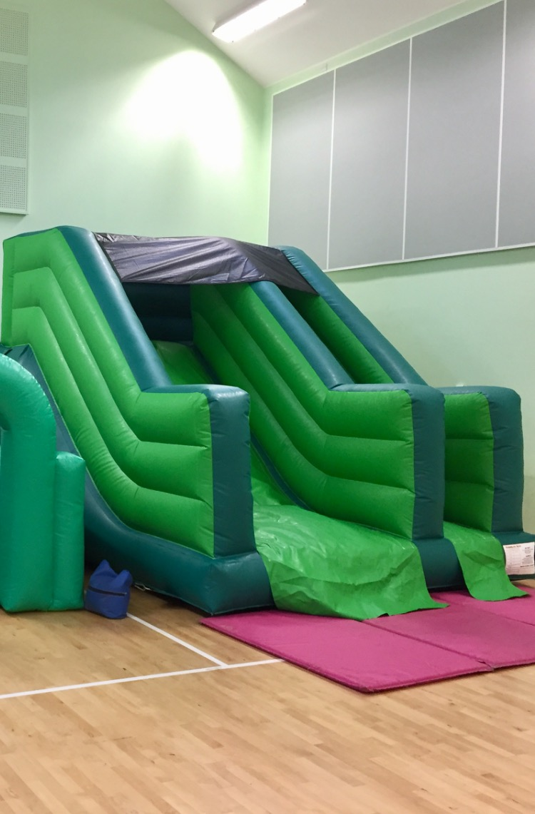 Delivering Bouncy castle slides in Torquay, tporbay, newton abbot & Paignton