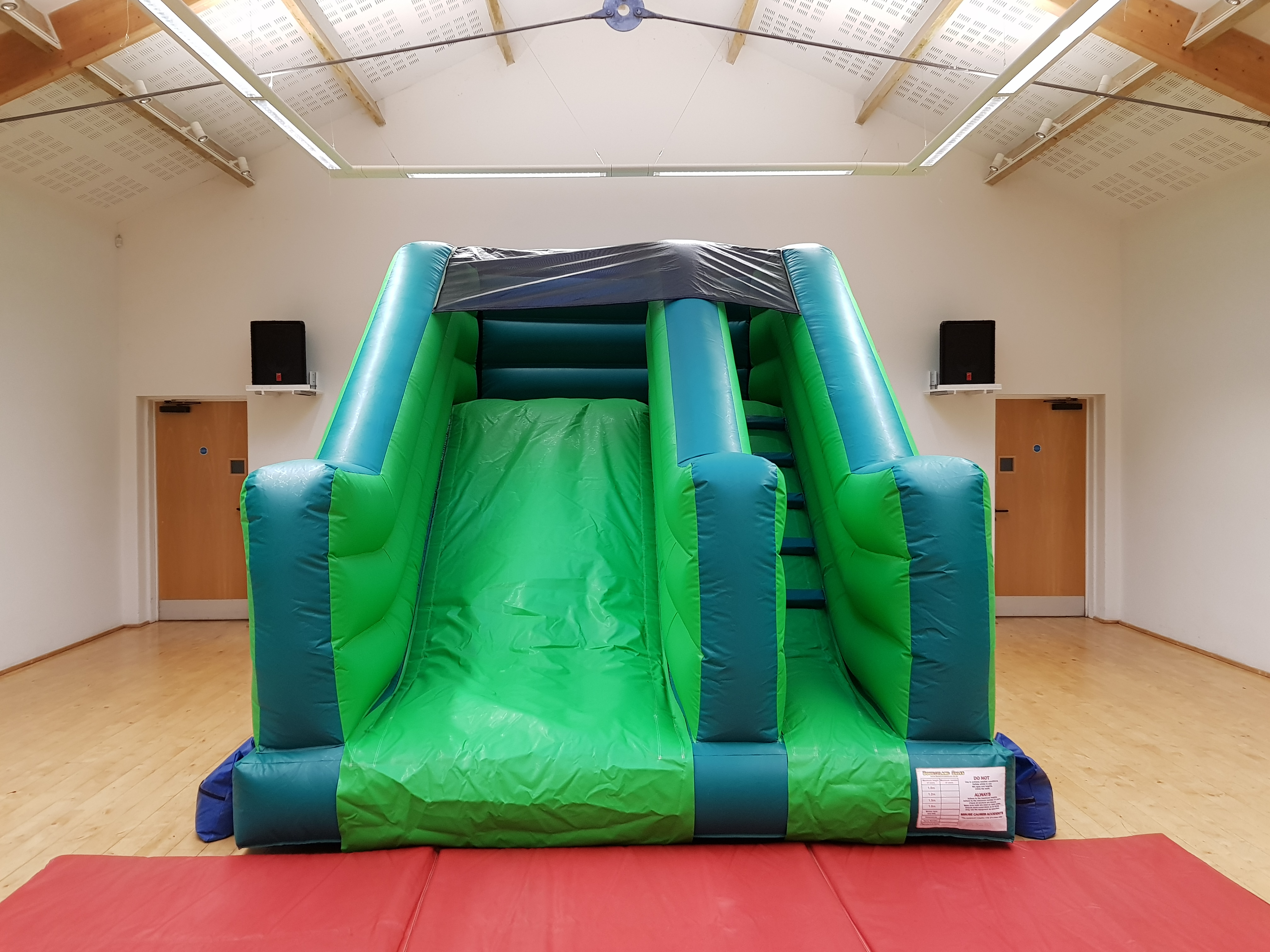bouncy castle slide hire in torbat, newton abbot and paignton